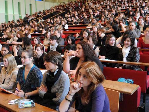 إلى كل طالب جديد Pour Tous Les Nouveaux étudiants