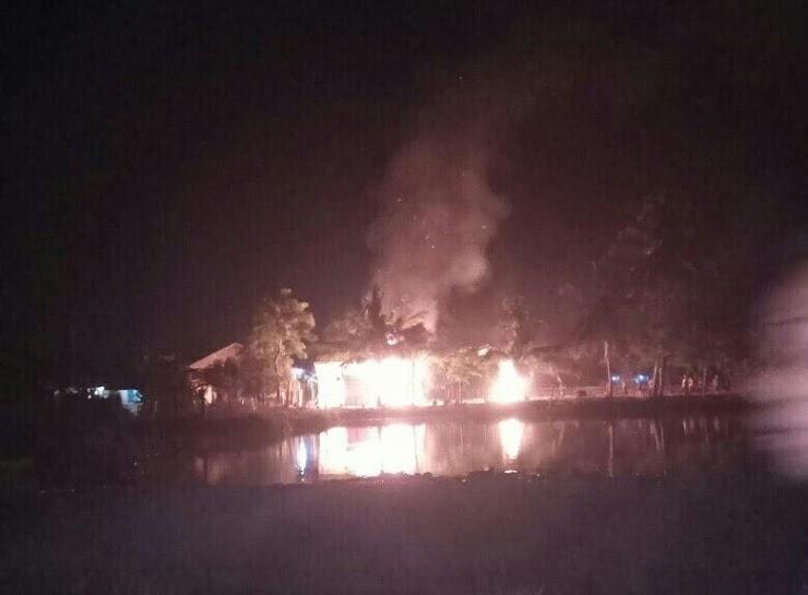 Tiang Masjid Milik Muhammadiyah yang Baru Dibangun Dibakar Orang