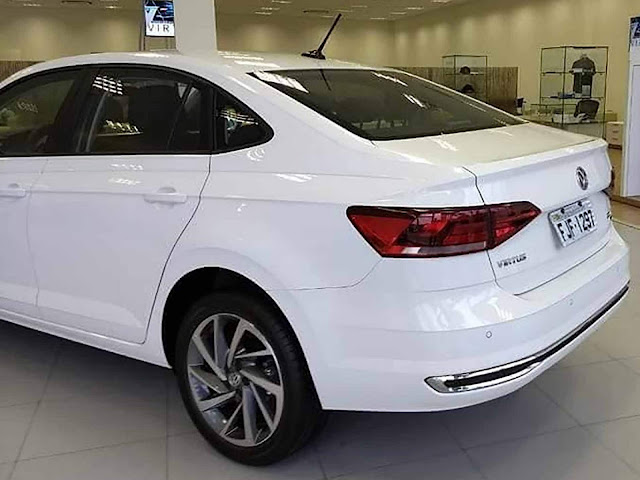 Volkswagen Virtus Highline Branco TSI