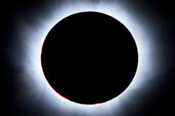Gerhana Bulan Micro Blood Moon Paling Lama Sepajang Abat