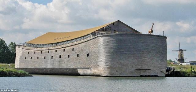 Ψυχάκιας ξυλουργός κατασκεύασε αντίγραφο της κιβωτού του Νώε και θέλει να ταξιδέψει μέχρι το Ισραήλ