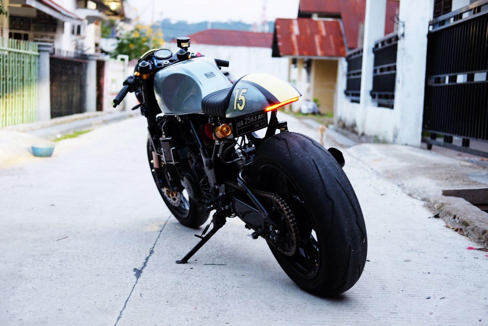 Kawasaki Ninja 250cc Cafe Racer 6