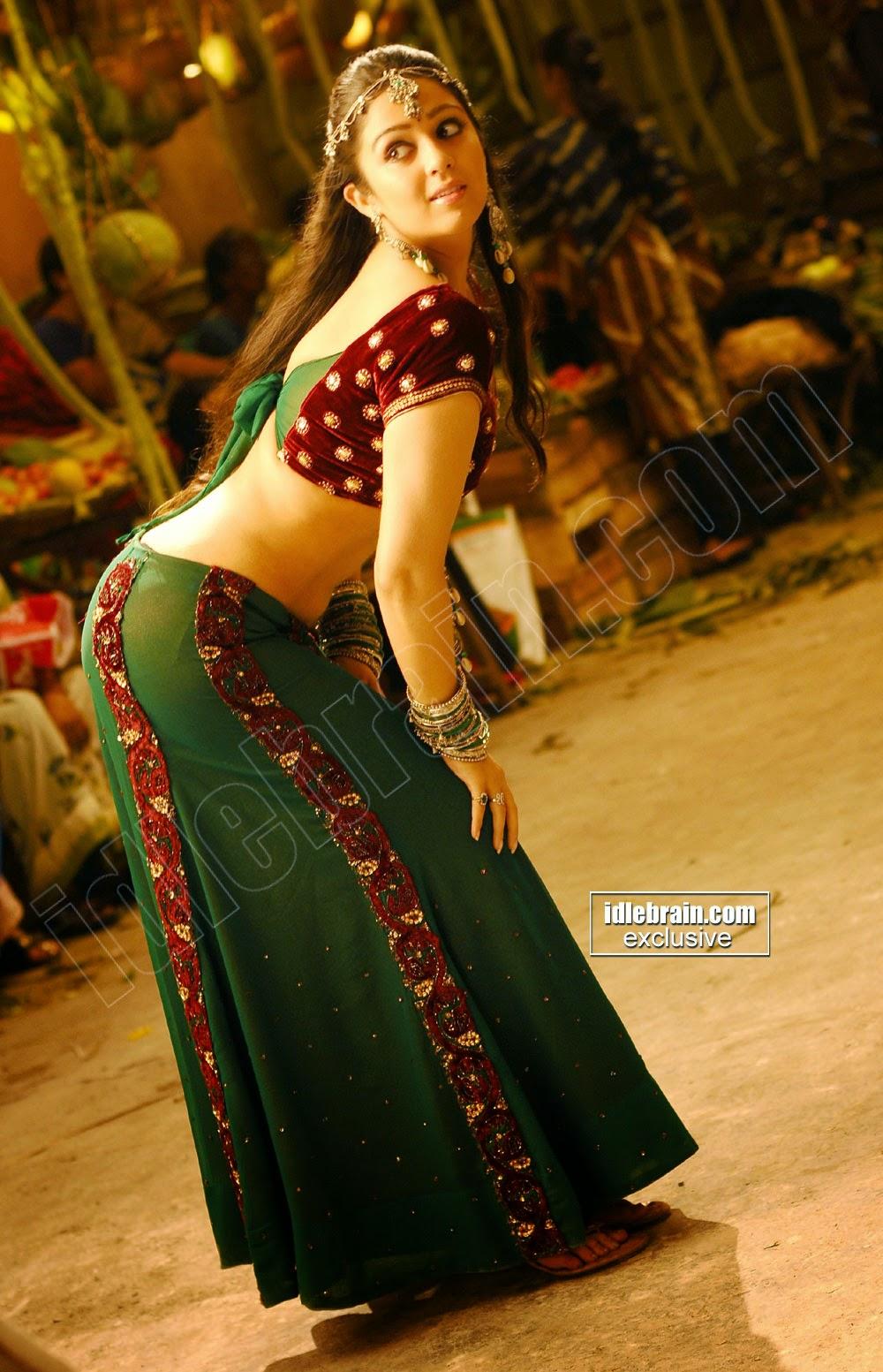 Indian Garam Masala Charmi Kaur Sexy Bend Dance Pics