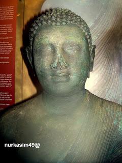 Arca Buddha yang ditemukan di Sekendeng, Sampaga, Mamuju