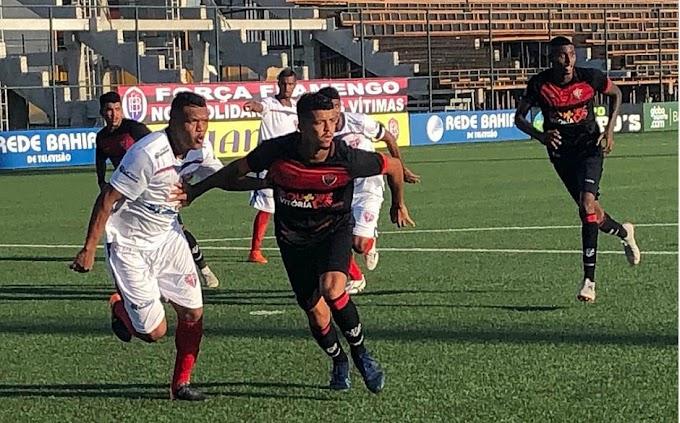 Vitória e Bahia de Feira empatam em 2x2 pelo Campeonato Baiano