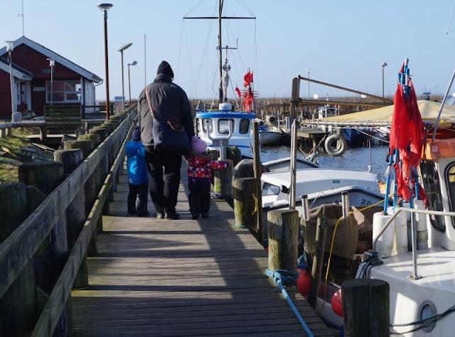 Der Hafen von Ringköbing: Malerische Fischerboote, rote Hütten und me(e)hr Dänemark Urlaub Ferien Kinder Familie Steg Yachten Faluröd Indianerlager Ulrik Plesner dänisch Ringköbing Fjord