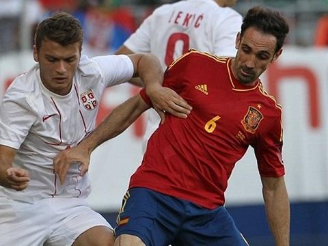 Juanfran cũng đang gặp vấn đề với chấn thương.