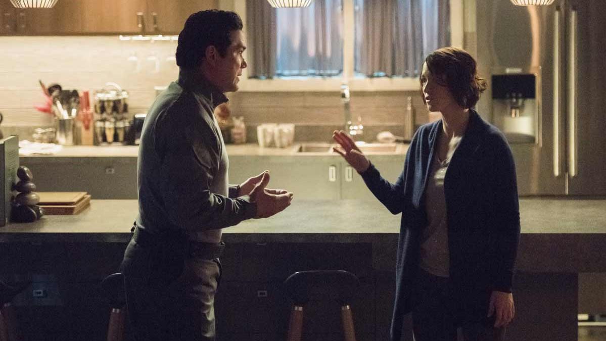Alex se niega a dejar de confiar en su padre aunque todas las pruebas estén en su contra en Supergirl