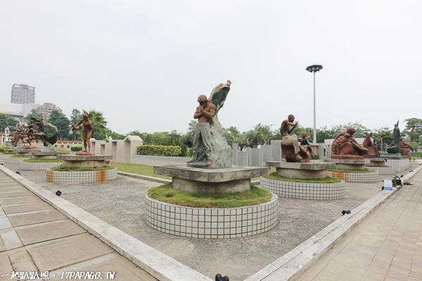 台中南屯|豐樂雕塑公園|湖水岸藝術村|特色公園|磨石子溜滑梯|跑酷練習區|3D石虎彩繪廁所
