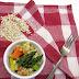 Sałatka z pęczaku i duszonych warzyw