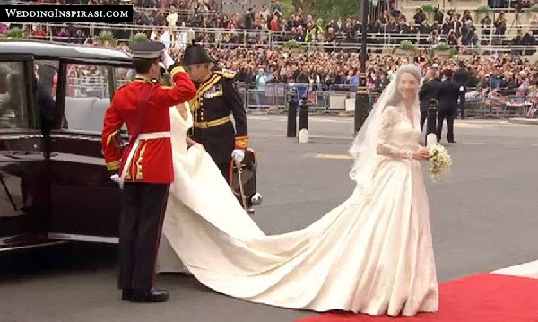 Art And Design In Daily Life: Alexander McQueen Bridal