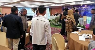Munarman FPI Menantang Berkelahi Peserta Diskusi AHok