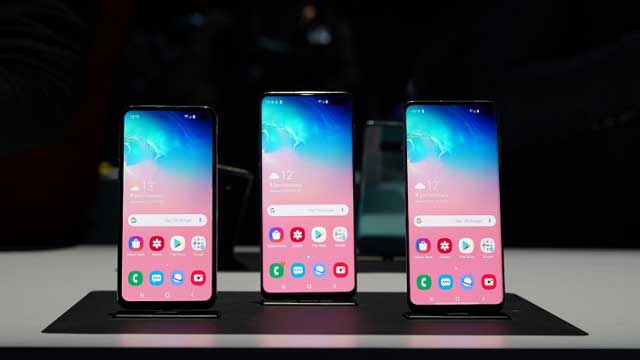 تقوم Samsung بتحديث خط Galaxy S10 مع إدخال تحسينات على Wireless PowerShare