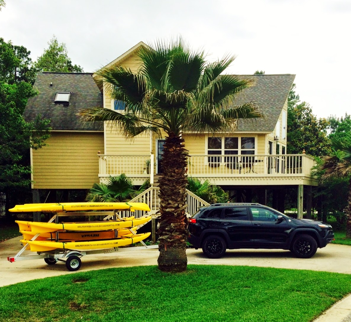where to rent a tandem kayak in Gulf Shores, double kayak rental, two-person kayak, daily and weekly, affordable
