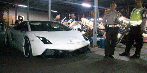 Lamborghini 'Bodong' Diciduk Aparat Kepolisian