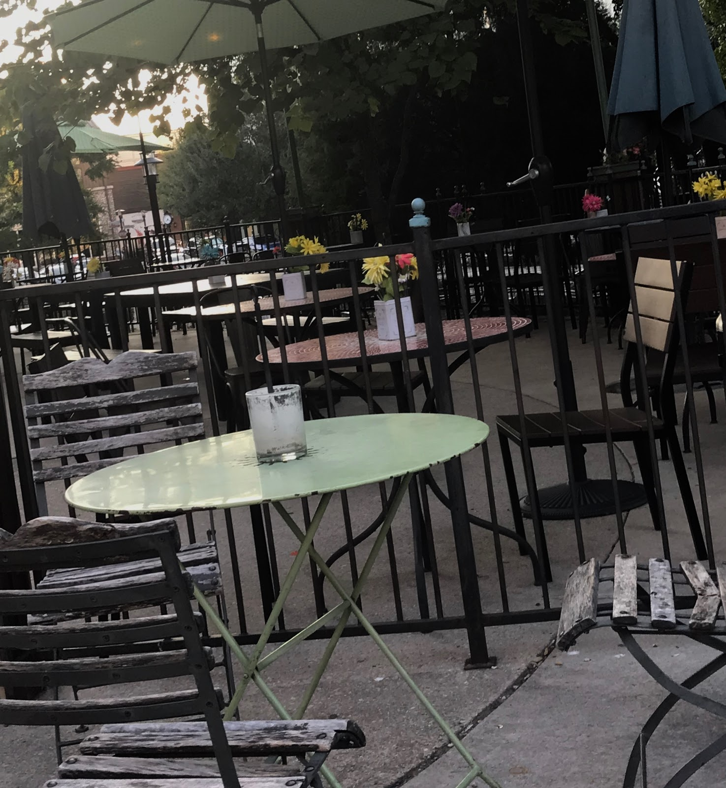 Image: Woman left cafe after sharing on blog post 47 ways to inspire other people