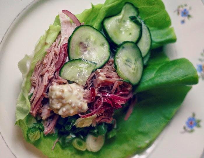 salaatinlehti nyhtöpossu