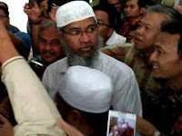 Video Dr. Zakir Naik Di Indonesia Dikerubuti Warga Heboh Minta Foto Usai Jumatan
