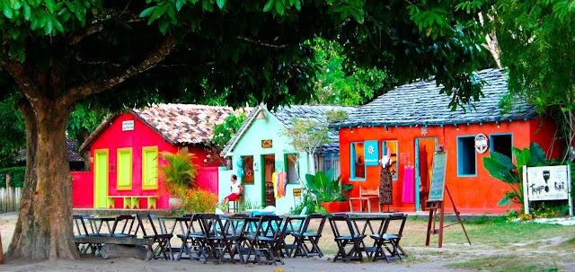 O Quadrado em Trancoso tem a simplicidade de cidade do interior, algumas casas possuem placas que contam as historias dos seus moradores