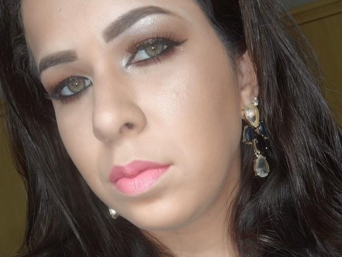 Tutorial Maquiagem dourado paleta Starry Eyes da Kat Von D