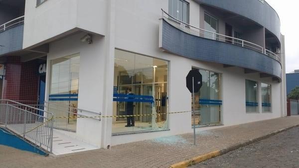 Assalto, explosão e tiros em Papanduva