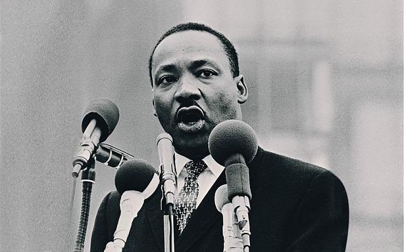 Martin-Luther-King-Jr-biography-life-story-قصة-حياة-مارتن-لوثر-كنج