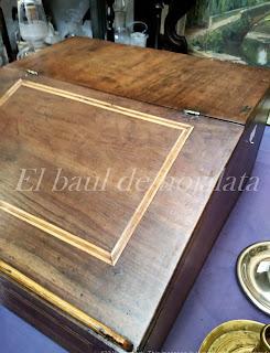 Antiguo escritorio portatil en Desembalaje Irun
