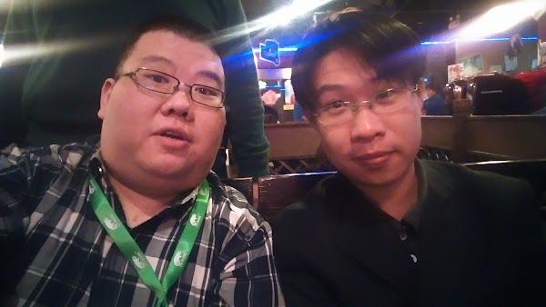 黃敬群(右)和我,佟輝提供