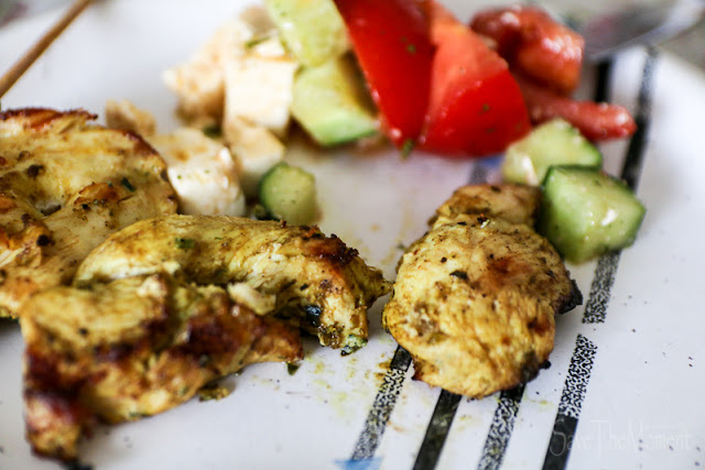 Grillfleisch + griechischer Salat