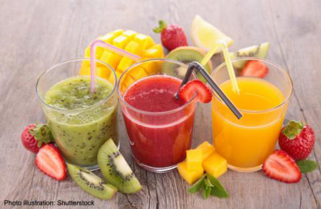 Drinking fresh juices