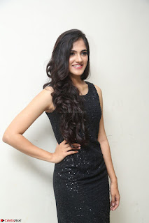 Simran Chowdary Model in Beautiful Black Dress at FBB Miss India 2017 finalists at Telangana auditions (23).JPG
