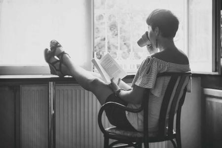 Aki tőlem olvas, az romantikára, humorra, kalandra számíthat