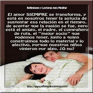 Después de 30 años de casados, una pareja estaba acostada en la cama una noche cuando la esposa sintió a su marido acariciarle de una manera que no lo había hecho en bastante tiempo.