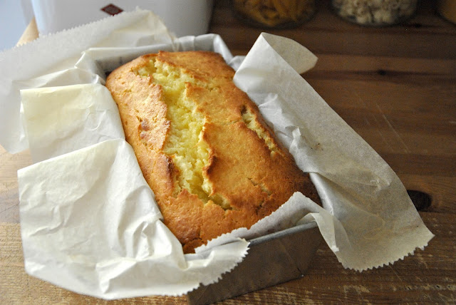Ananas-Marzipan-Kuchen frisch aus dem Ofen
