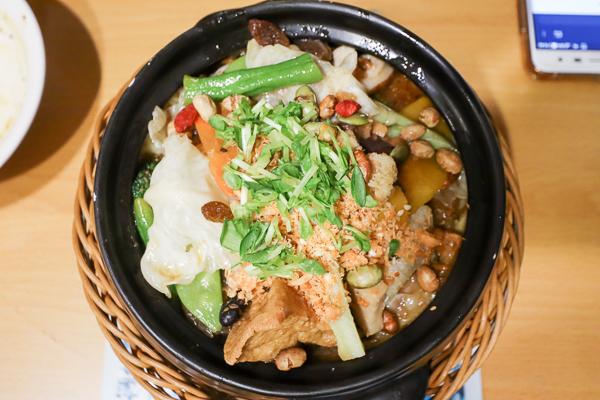 台中大里水連天碧 素食簡餐、焗烤、火鍋、義大利麵等多種選擇