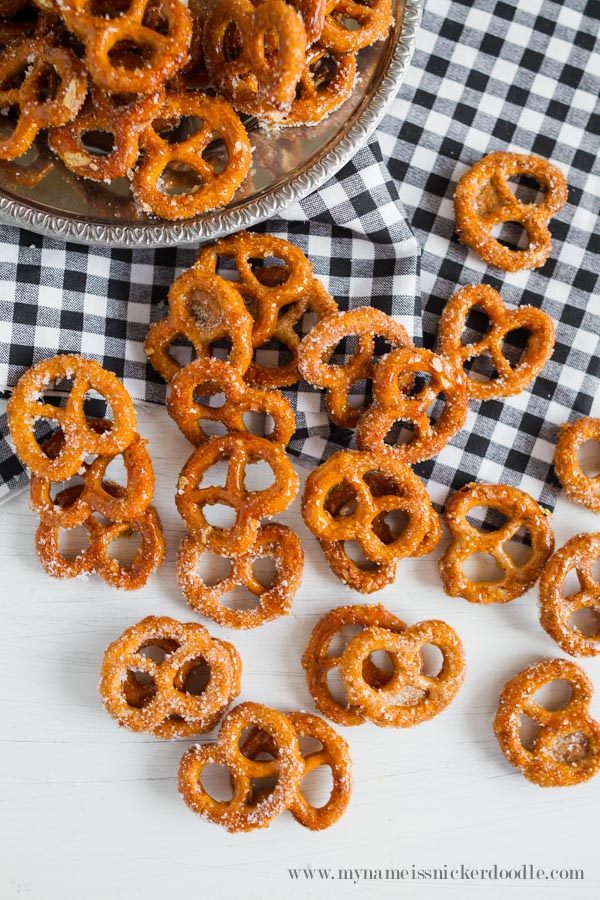 Such an easy and yummy recipe for Pumpkin Spiced Pretzels!  A great salty sweet snack!