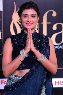 Ishita Vyas in Velvet Sleeveless Choli Designer Saree at IIFA Utsavam Awards 2017  Day 2  HD Exclusive 01.JPG