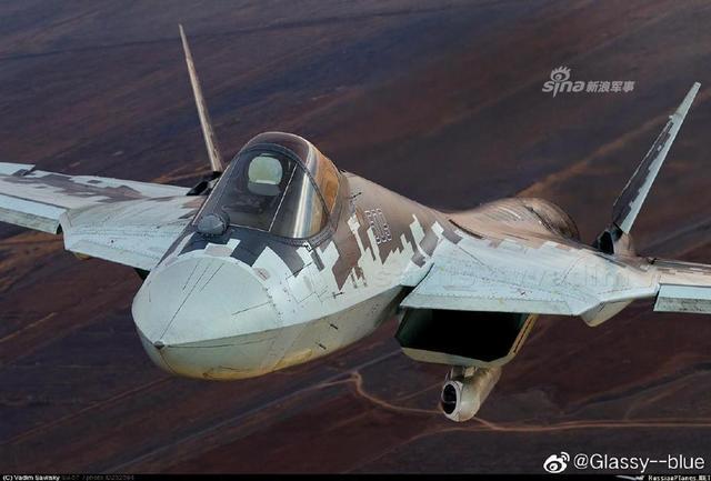 مقاتله Sukhoi T-50 PAK FA سيتغير اسمها الى Su-57  - صفحة 7 Russia%2527s%2Bfifth-generation%2Bfighter%2BSu-57%2Btargetting%2Bpod%2B1