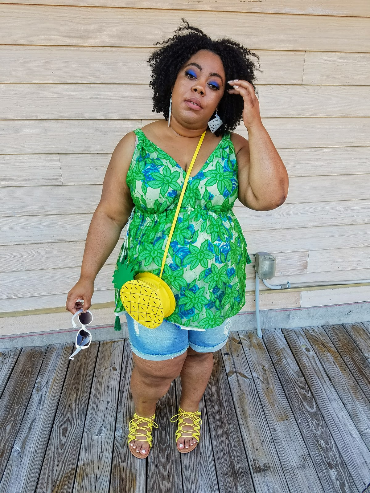 plus size, blogger, Lane Bryant tank, shorts, sandals, crossbody purse, natural hair, bold makeup, natural hair, fashion sunglasses, Myrtle Beach (Broadway at the Beach)