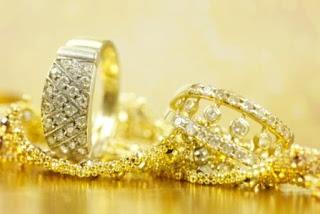 תכשיטים עשויים מזהב