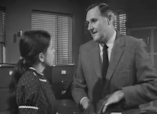 Sally Thomsett and Peter Vaughan in 'The Gold Robbers'