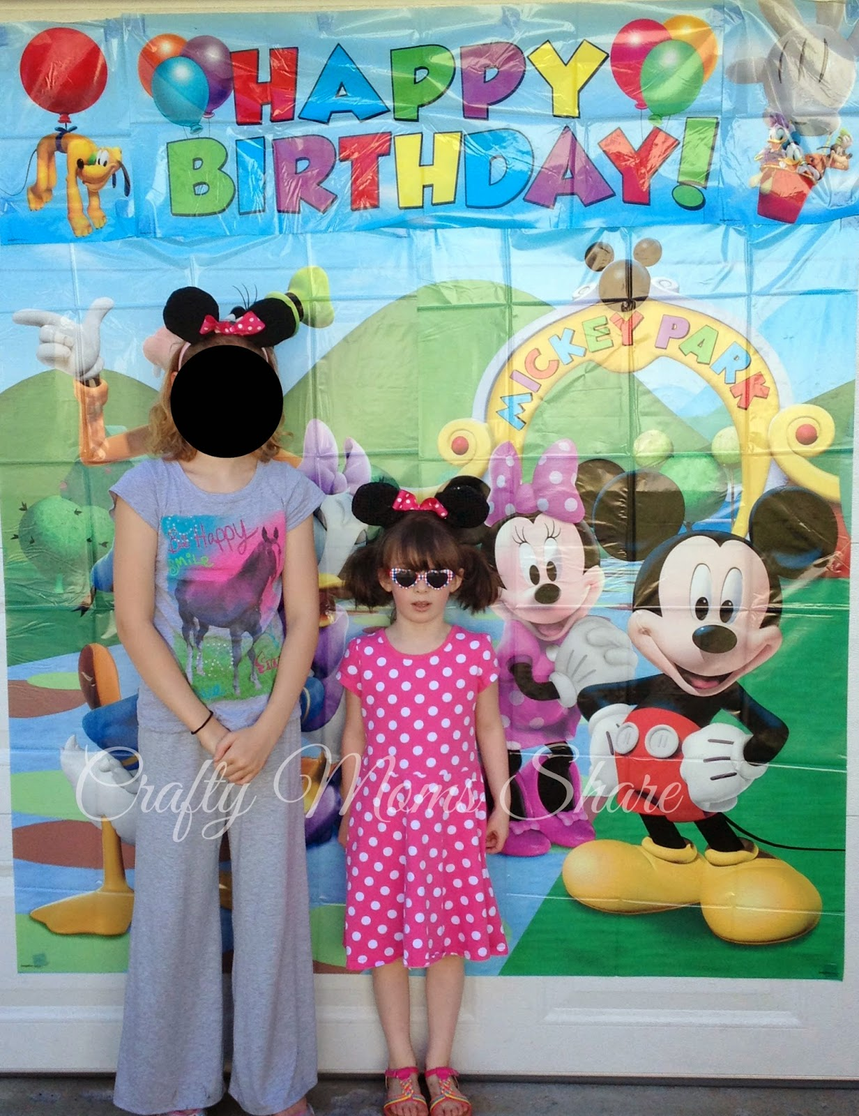 Crafty Moms Share Minnie Mouse Party Decoration Product Review