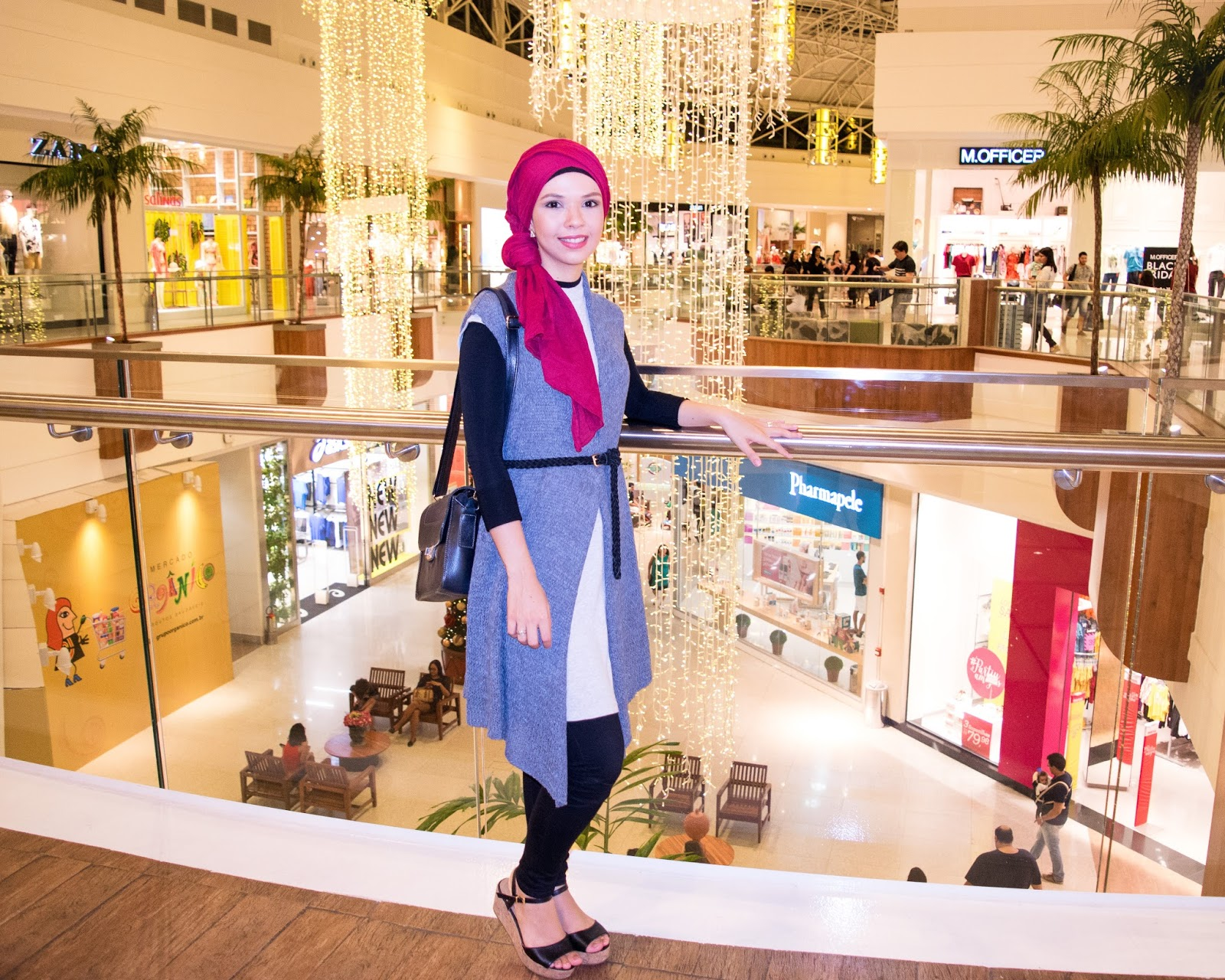 Simplicity in Vogue - @ByAndreaB / OOTD // Quick annoucements + 2 outfits + Festive Lights at the mall - Christmas, decor, mall, shopping, festive lights, ootd, hijab, style, fashion, modesty, modest fashion, modest style, turban, turban style, how to wear, winter fashion, autumn fashion