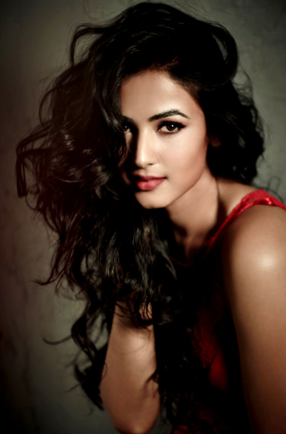 Sonal Chauhan Hd Wallpapers Wallpapers Home Screen