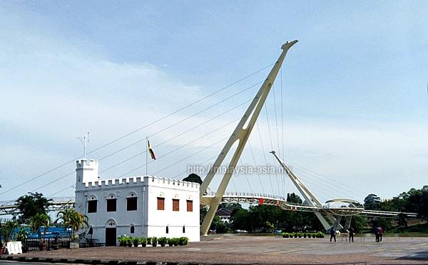 Jambatan Darul Hana