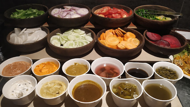 Salad and dressing Dinner ideas Mosiac restaurant Navi Mumbai