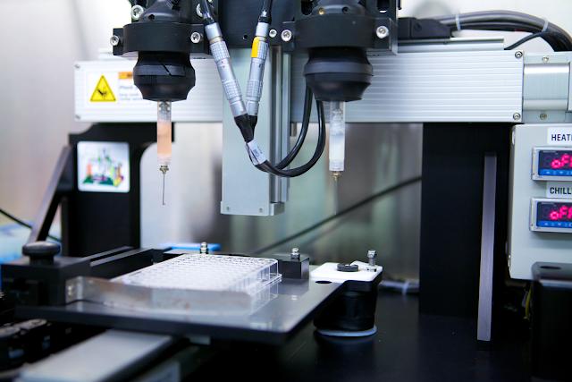 Cea mai performanta bioimprimanta 3D prezentata la Universitatea Politehnica din Bucuresti