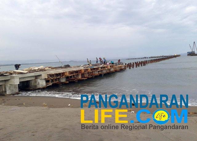 proses pembangunan pelabuhan pantai bojongsalawe