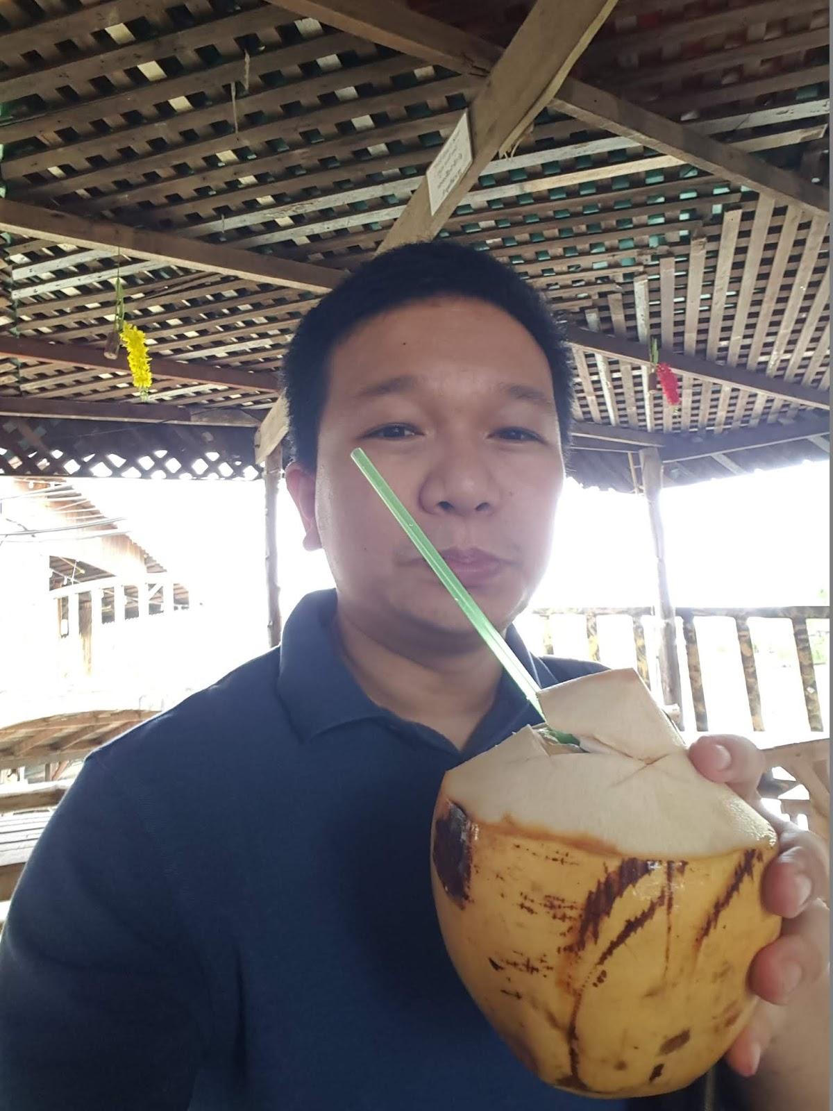 泰國四方水上市場-椰子水