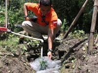 Empat Titik Semburan Air Kapur Muncul di Desa Tulung Sampung
